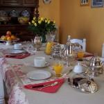 table-dejeuner-bourgogne-noyers